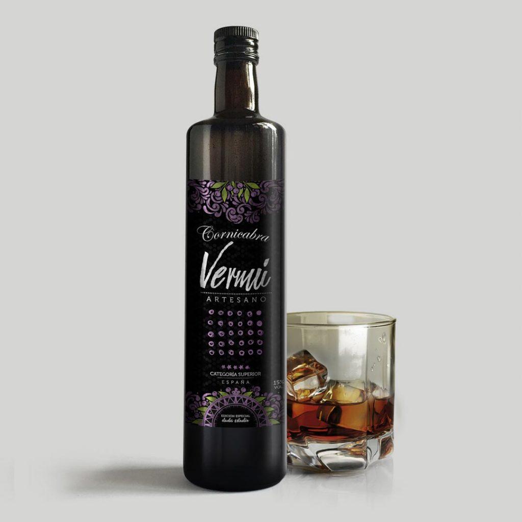 Packaging Botellas de Vermú Cornicabra