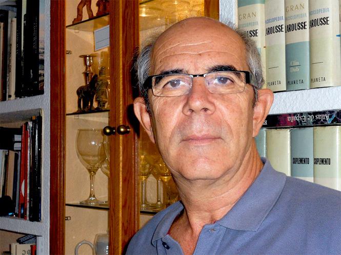 """Entrevista: Bartolomé Salas Martos en la presentación de su nueva novela """"La Conspiración del Triángulo"""""""